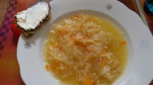 vegetarische Sauerkrautsuppe